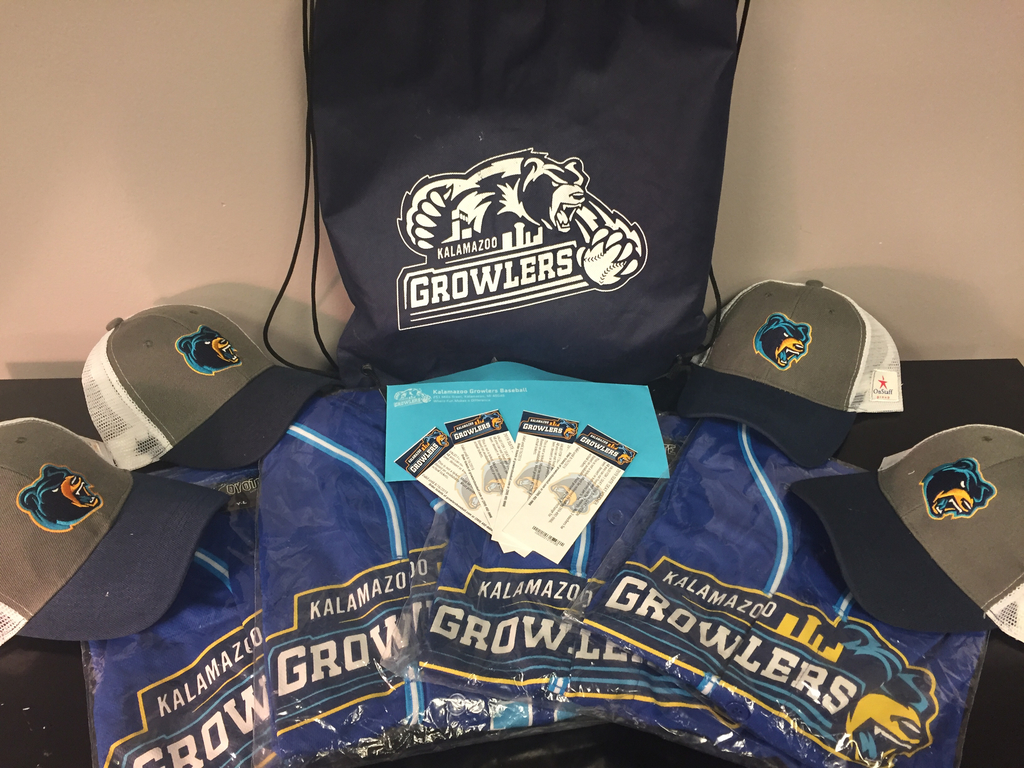 Win this Growler's Family Pack!